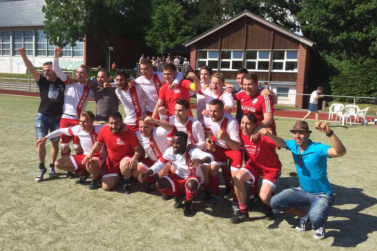 3. Mannschaft Mannschaftsbild nach Aufstieg - POST TSV Detmold